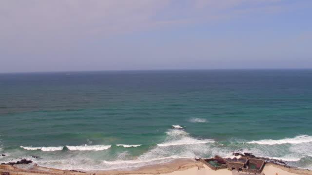 vídeos de stock e filmes b-roll de gwakji beach and the village / jeju-si, jeju-do, south korea - vedação