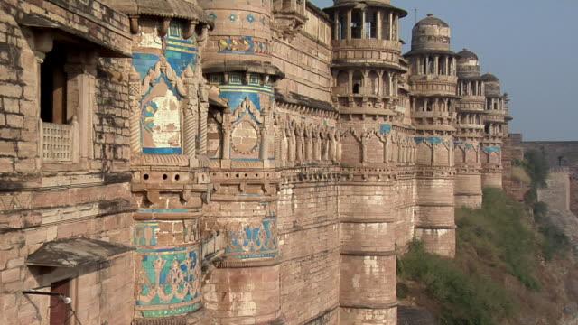 cu, zo, ms, gwalior fort, gwalior, madhya pradesh, india - fortress stock videos & royalty-free footage