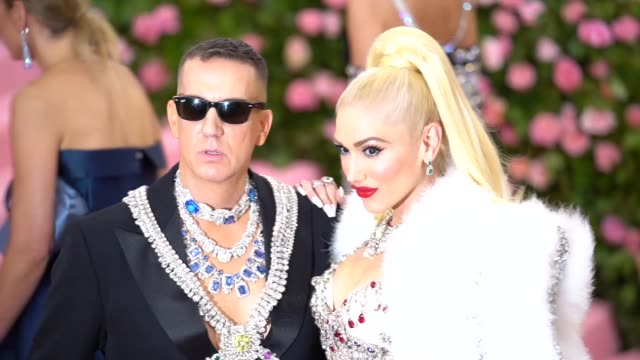 gwen stefani and jeremy scott at the 2019 met gala celebrating camp: notes on fashion - arrivals at metropolitan museum of art on may 06, 2019 in new... - gwen stefani stock videos & royalty-free footage