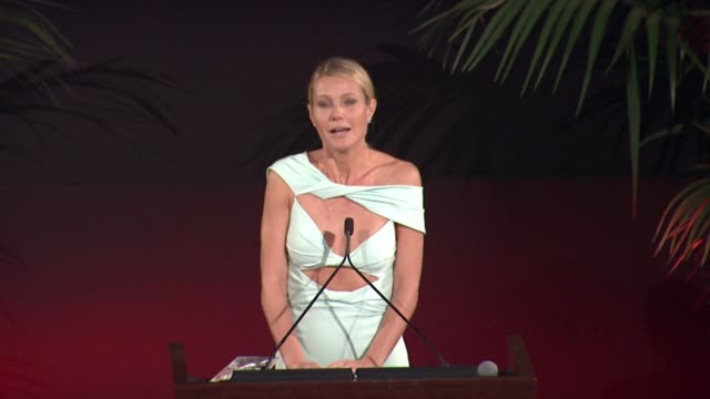 speech gwyneth paltrow at 25th annual environmental media awards in los angeles ca - gwyneth paltrow stock videos & royalty-free footage
