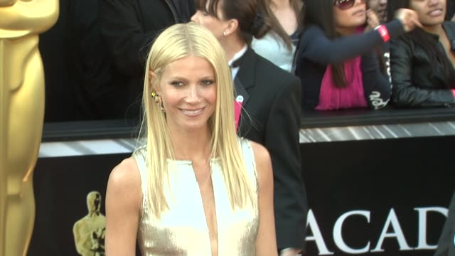 gwyneth paltrow at the 83rd annual academy awards - arrivals part 3 at hollywood ca. - グウィネス・パルトロー点の映像素材/bロール
