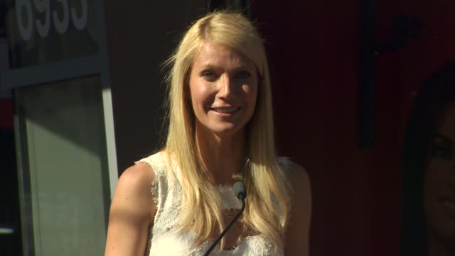 gwyneth paltrow at the gwyneth paltrow honored with a star on the hollywood walk of fame at hollywood ca. - グウィネス・パルトロー点の映像素材/bロール