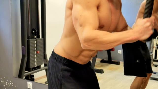 ジム)  - 胸筋点の映像素材/bロール