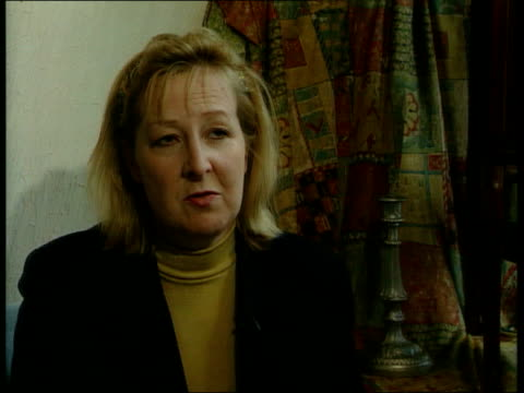 luisa england hemel hemstead int deborah tanswell into her antiques shop with baldini sits deborah tanswell interview sot a person who's a doctor... - shock tactics stock videos and b-roll footage