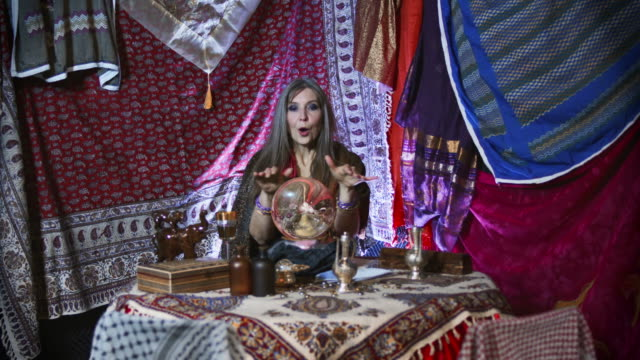 Gypsy Fortuneteller Sees a  Bad Fortune