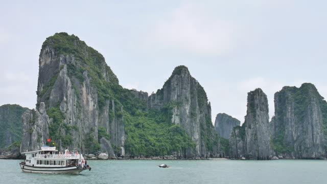 ha long bay vietnam. - wet wet wet stock videos & royalty-free footage