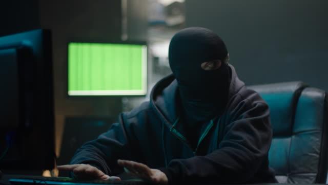 Hacker, die Polizei zu entkommen!