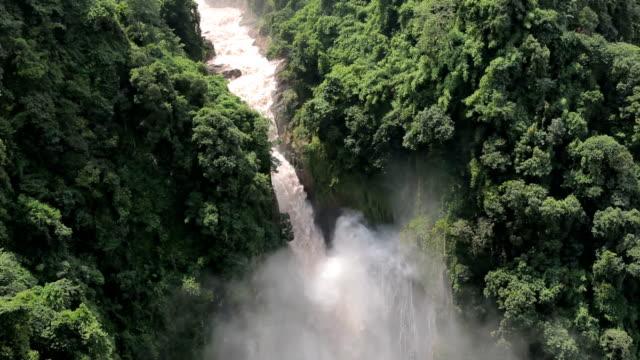 haew narok waterfall - lång längd bildbanksvideor och videomaterial från bakom kulisserna