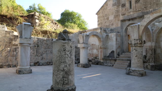 haghartsin monastery, the vestibule of saint astvatsatsin church - etwa 12. jahrhundert stock-videos und b-roll-filmmaterial