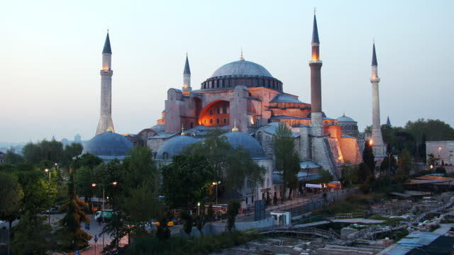 t/l ws haghia sophia, day to dusk, istanbul, turkey - mosque stock videos & royalty-free footage