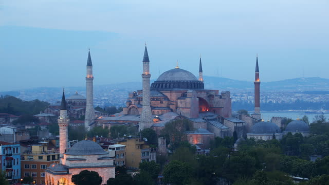 T/L WS HA Haghia Sophia, dusk to night, Istanbul, Turkey