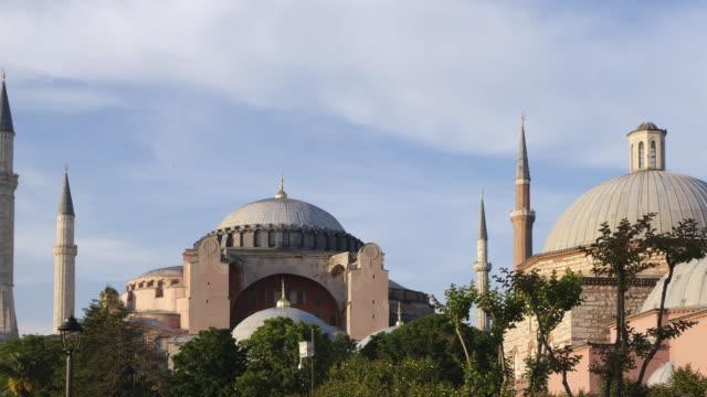 hagia sophia moschee istanbul türkei - besichtigung stock-videos und b-roll-filmmaterial