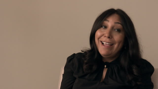 vidéos et rushes de interview haifaa al mansour on the importance of making a film that shows a woman failing in political life at perfect candidate interviews 76th... - festival de film