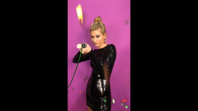 hailey baldwin poses in the studio during the mtv emas 2017 held at the sse arena wembley on november 12 2017 in london england - 2017 stock-videos und b-roll-filmmaterial