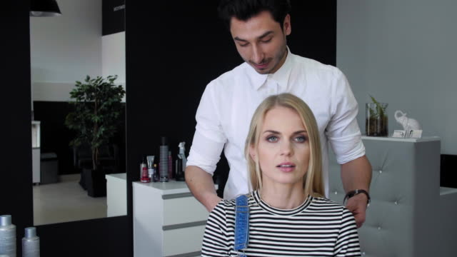 hair salon - cura della persona video stock e b–roll