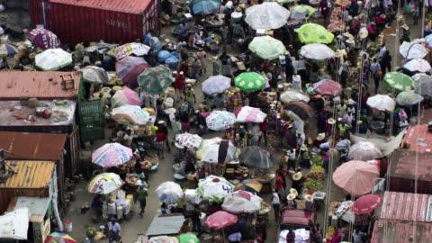 haiti: port-au-prince marketplace - ハイチ点の映像素材/bロール