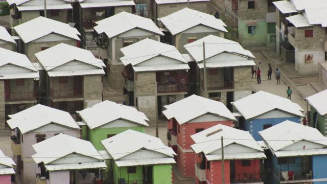 stockvideo's en b-roll-footage met haiti: sun city, shanty town - haïti