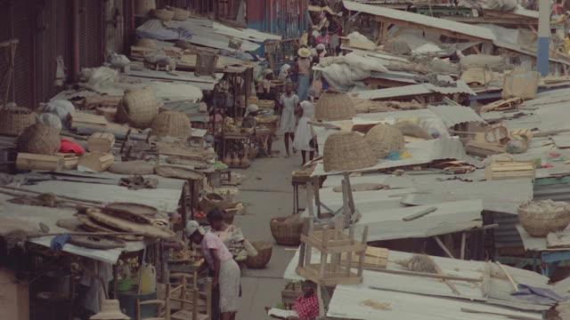 haiti tin roof town - ハイチ点の映像素材/bロール