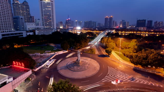 vídeos de stock e filmes b-roll de t/l ws haizhu bridge day-to-night / guangzhou, china - figura masculina