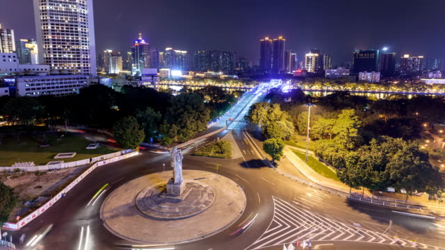 vídeos de stock e filmes b-roll de t/l ws haizhu bridge night / guangzhou, china - figura masculina