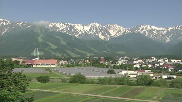 vidéos et rushes de hakuba mountain range in japan - mountain range