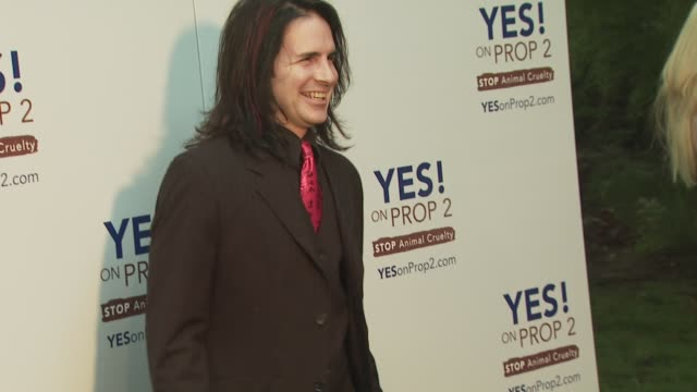 hal sparks, sparks at the ellen degeneres and portia de rossi host yes! on prop 2 party at los angeles ca. - sparks点の映像素材/bロール