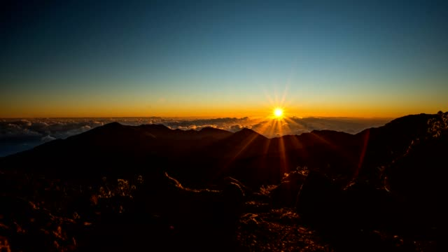 haleakala sunrise - sunrise dawn stock videos & royalty-free footage