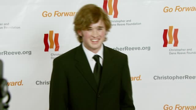 haley joel osment at the third annual los angeles gala for the christopher and dana reeve foundation honoring robin williams at the century plaza... - christopher and dana reeve foundation stock videos and b-roll footage