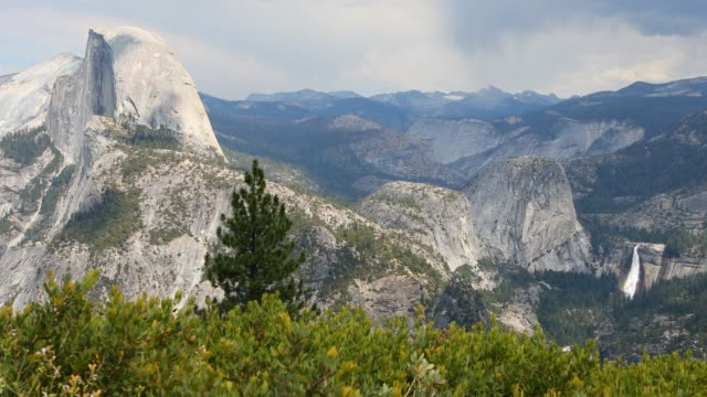 half dome rock landscape timelapse in yosemite national park - half dome stock videos & royalty-free footage