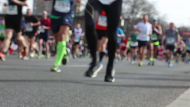 half marathon berlin - marathon stock-videos und b-roll-filmmaterial