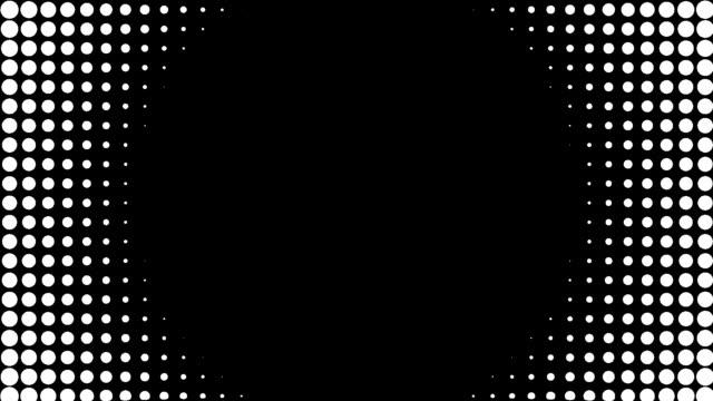 vídeos de stock, filmes e b-roll de halftone dots wipe transition graphic luma alpha matte circular inwards - meio tom