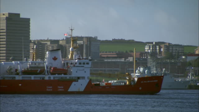 stockvideo's en b-roll-footage met halifax skyline - atlantische oceaan