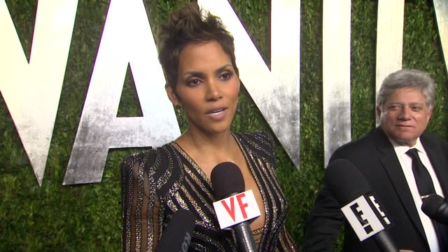INTERVIEW Halle Berry at The 2013 Vanity Fair Oscar Party Hosted By Graydon Carter INTERVIEW Halle Berry at The 2013 Vanity Fair at Sunset Tower on...