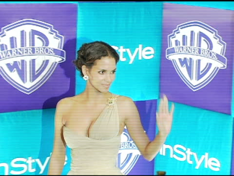 vídeos y material grabado en eventos de stock de halle berry at the in style magazine and warner brothers studios 6th annual golden globe party at the beverly hilton in beverly hills california on... - halle berry
