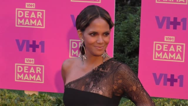halle berry at the vh1 'dear mama' event at huntington library on may 06 2017 in pasadena california - halle berry stock videos and b-roll footage