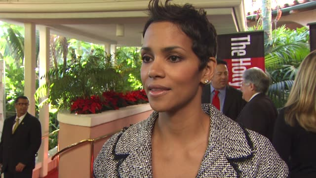 halle berry on her definition of power, what it takes to be a powerful woman in hollywood. at the the hollywood reporter's annual women in... - ハル・ベリー点の映像素材/bロール