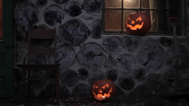 vídeos de stock, filmes e b-roll de fundo de halloween - halloween background