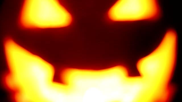 halloween pumpa lyser i mörkret - kurbits bildbanksvideor och videomaterial från bakom kulisserna