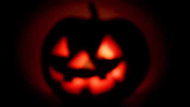 vídeos y material grabado en eventos de stock de halloween - calabaza no comestible
