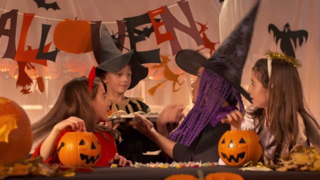 HD DOLLY: Halloween Workshop Class