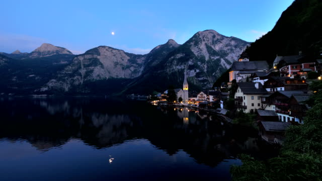 hallstatt night - ultra high definition television stock-videos und b-roll-filmmaterial