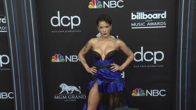 halsey at the 2019 billboard music awards at mgm grand garden arena on may 1 2019 in las vegas nevada - mgm grand garden arena stock videos & royalty-free footage