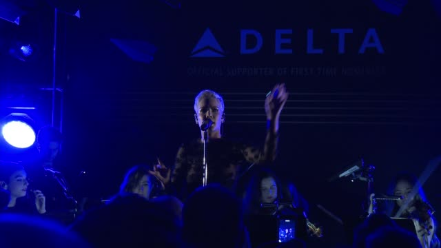 performance halsey at the delta air lines hosts official grammy event featuring a private performance by firsttime grammynominated artist halsey at... - delta air lines stock-videos und b-roll-filmmaterial