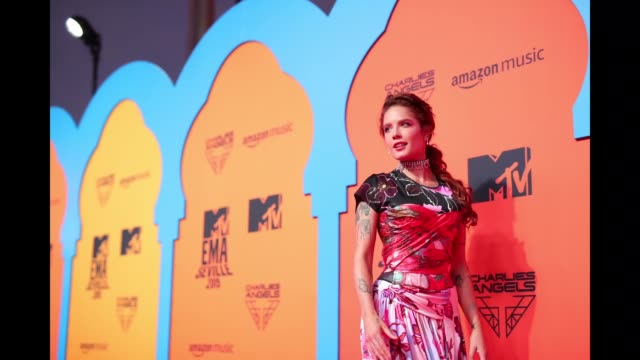 halsey attends the mtv emas 2019 at fibes conference and exhibition centre on november 03, 2019 in seville, spain. - mtv europe music awards stock videos & royalty-free footage