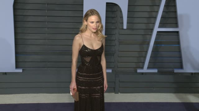 halston sage at 2018 vanity fair oscar party on march 04 2018 in beverly hills california - halston stock videos & royalty-free footage