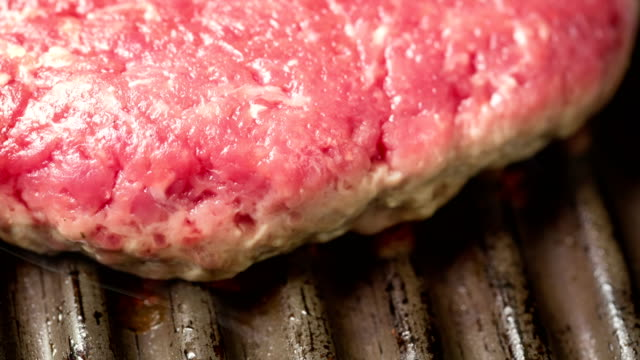 hamburger on grill time lapse - cheeseburger stock videos & royalty-free footage