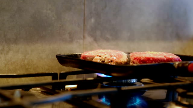 Hamburgers being cooked - Cinemagraph
