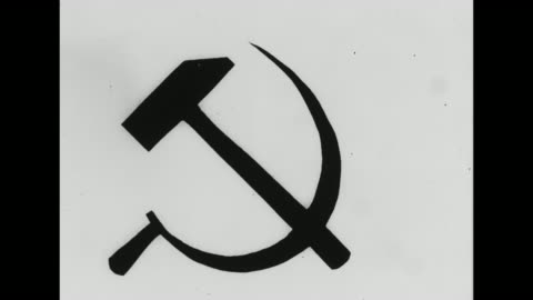 vidéos et rushes de hammer and sickle symbol / note: exact year not known - communisme