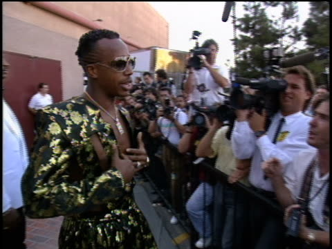 hammer arrives to the 1990 mtv video music awards. no audio. - 1990 stock videos & royalty-free footage