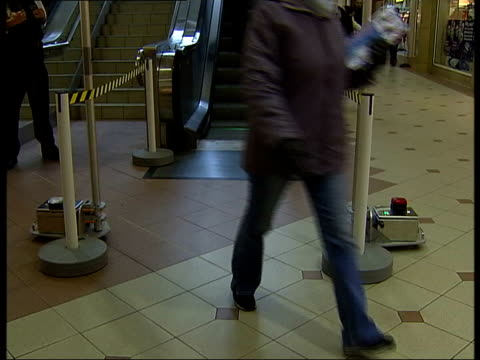 gvs scanner at bus station used to detect people carrying knives date unknown london ext floral tributes at scene of stabbing knives displayed... - festival internazionale del cinema di toronto video stock e b–roll
